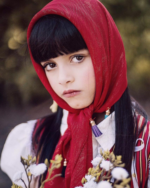 نورة دانة الدوسري On Instagram ㅤㅤ عيناك خمائل ورد ياسيدة الورد دانة الدوسري ㅤㅤ Women Girl Arab Women Winter Hats