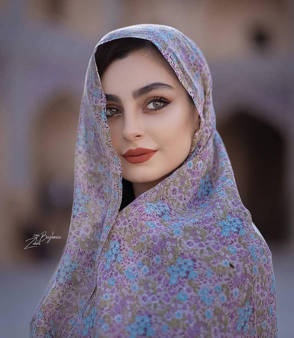کدوم عکسو میپسندید لطفا پست رو لایک کنید تا پست های بعدیمون براتون نمایش داده بشه مثلأ من Iranian Beauty Beautiful Iranian Women Persian Beauties