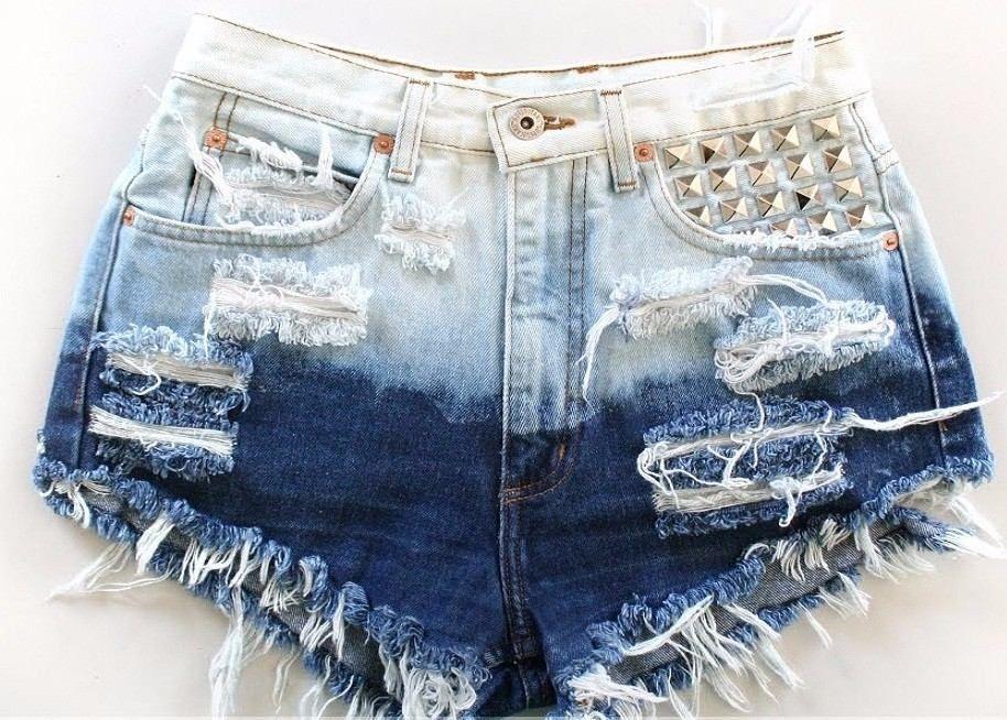 Resultado de imagem para short jeans claro
