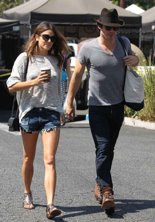 Ian Somerhalder looks hot in a gray v-neck shirt while at the Farmers Market on Sunday afternoon (August 10) in Studio City, Calif.  The 35-year-old The Vampire Diaries actor and his girlfriend Nikki Reed met up with some friends at the market.