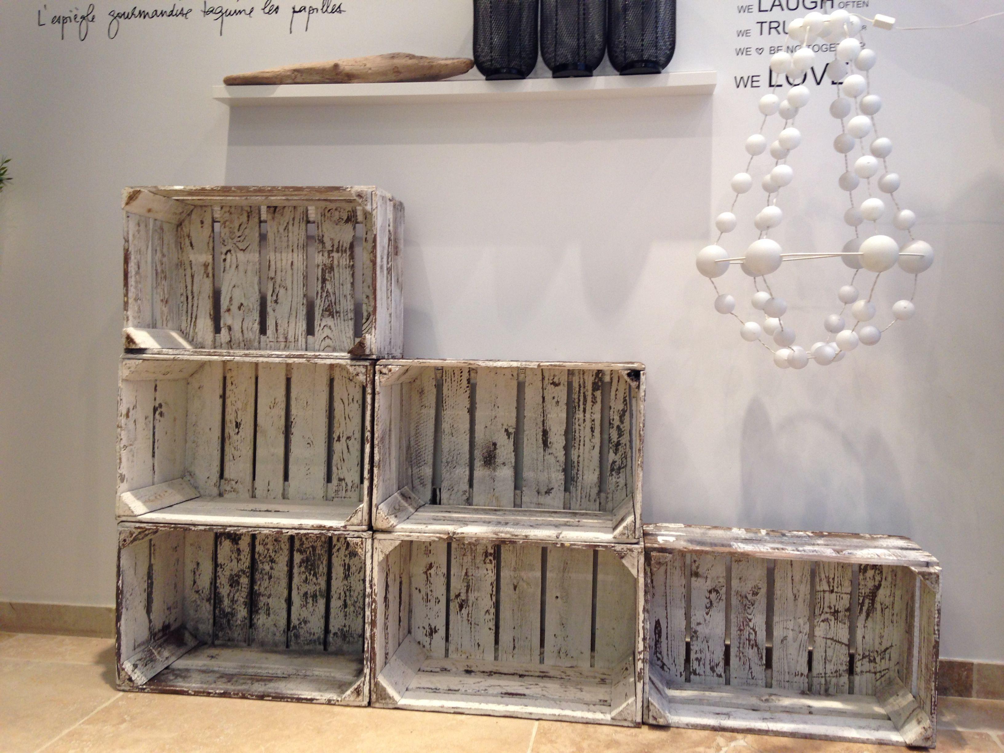 vieille cagettes en bois by melanie yvon blog d co. Black Bedroom Furniture Sets. Home Design Ideas
