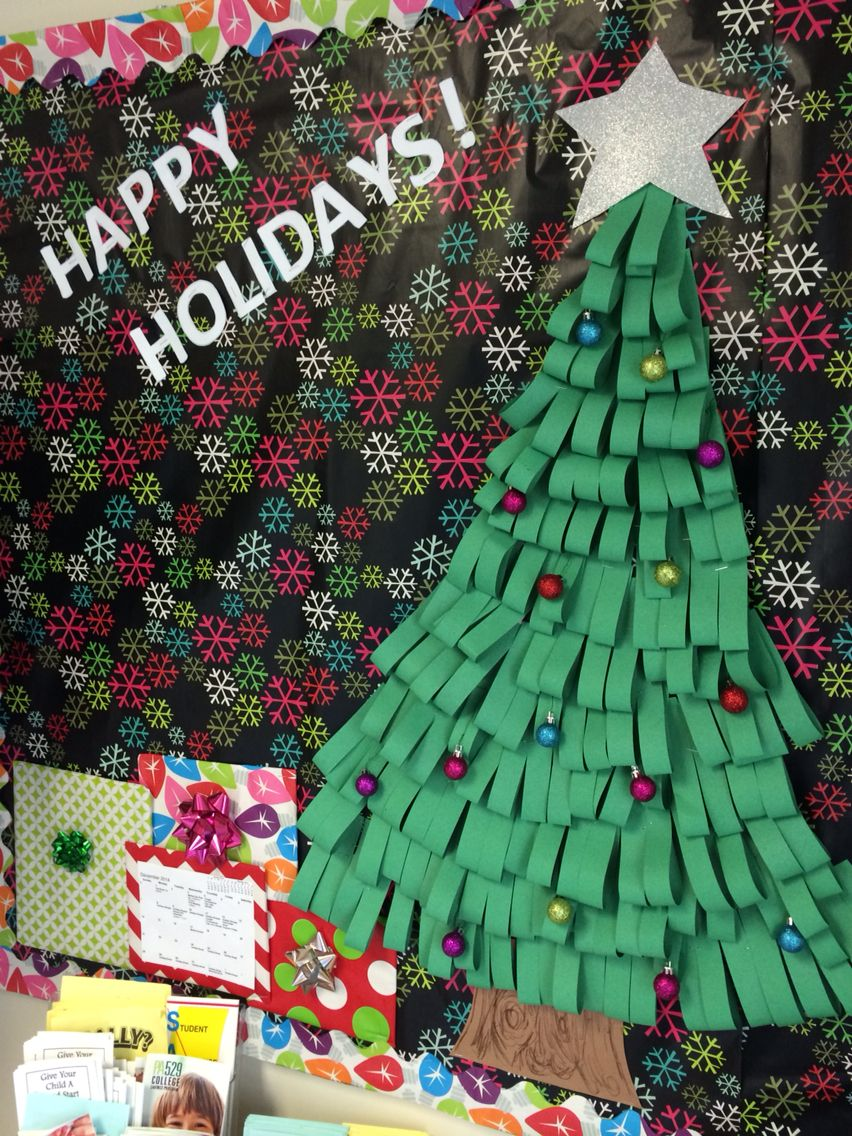 3d Christmas Bulletin Board I Made For School Tree Is Just Made Of Strips Of Con Christmas Bulletin Grinch Christmas Tree Christmas Bulletin Board Decorations
