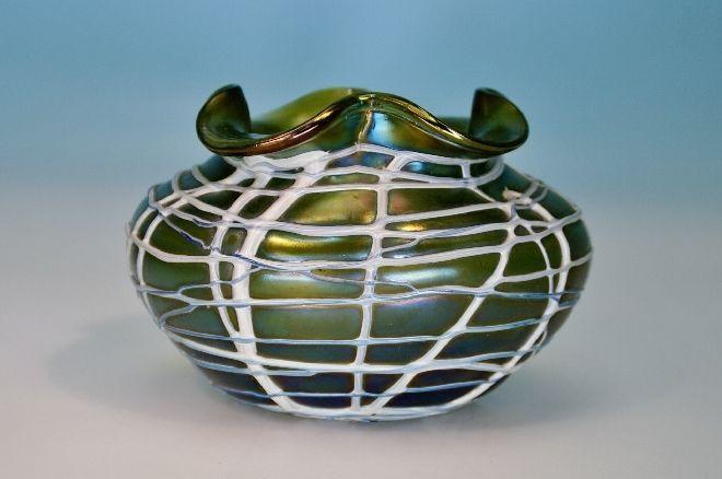 Pallme & König Jugendstil Vase, aufgelegte Fäden, irisierend