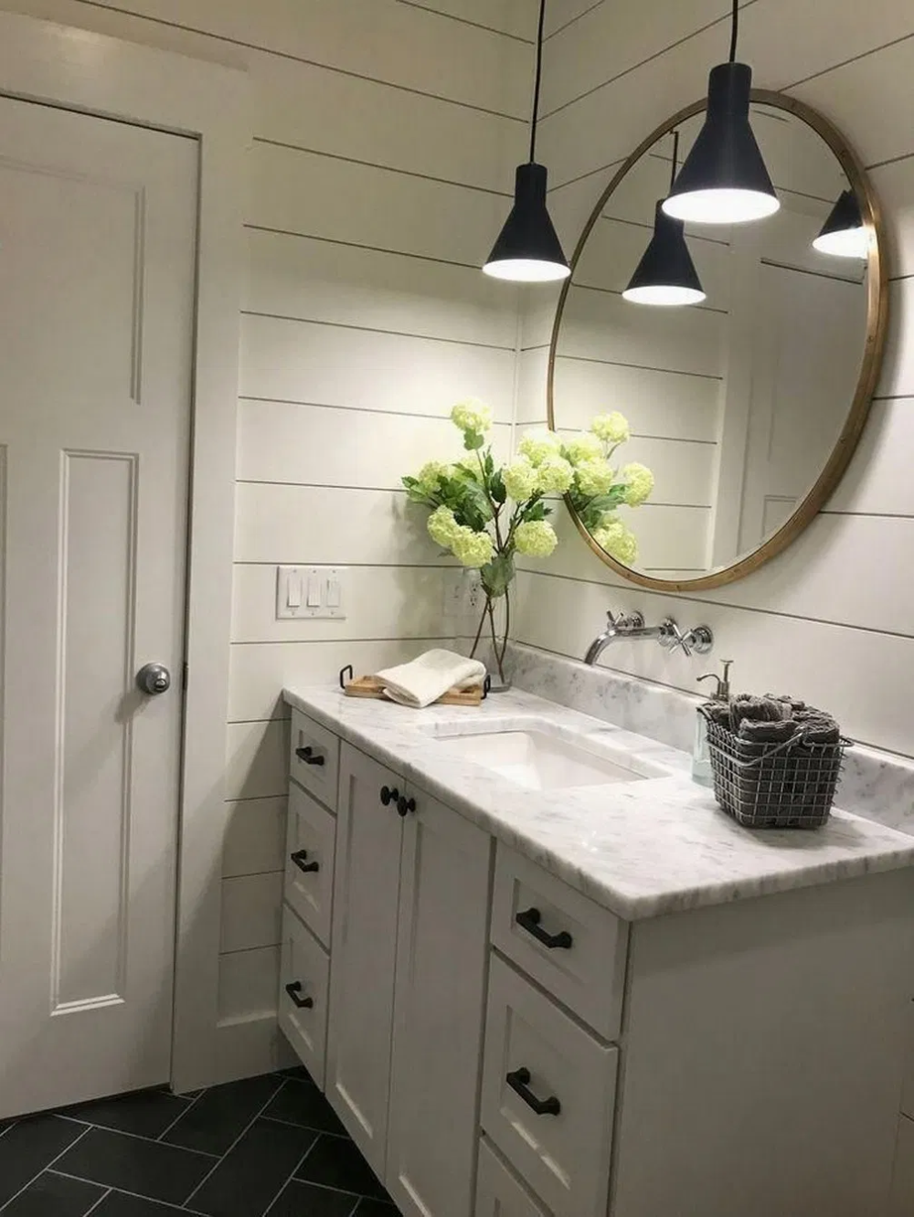 38 beautiful farmhouse bathroom design and decor ideas 12 on beautiful farmhouse bathroom shower decor ideas and remodel an extraordinary design id=50280