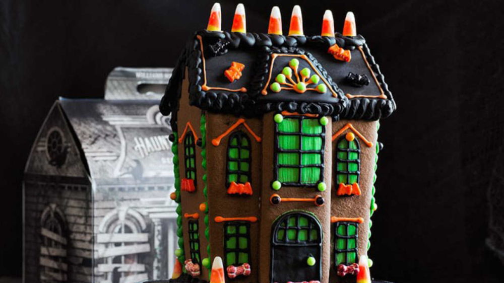 haunted gingerbread house Google Search Cookie house