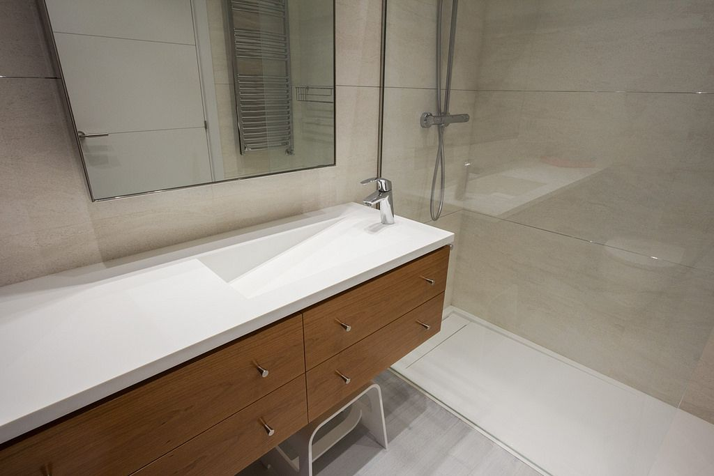 Encoba21 ba o blanco con encimera y plato de ducha - Banos con encimera ...