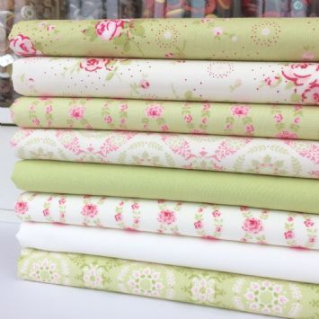 Lovely Lime floral 7 piece fat quarter bundle 100/% cotton for sewing//craft
