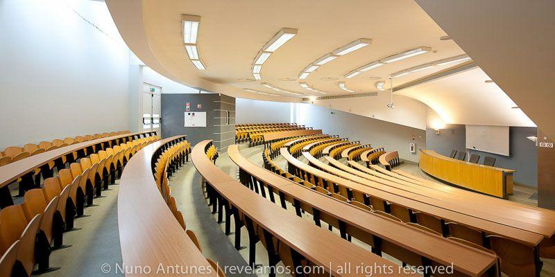 Resultado de imagen de Auditorio de la Facultad de Derecho de la Universidad de Lisboa