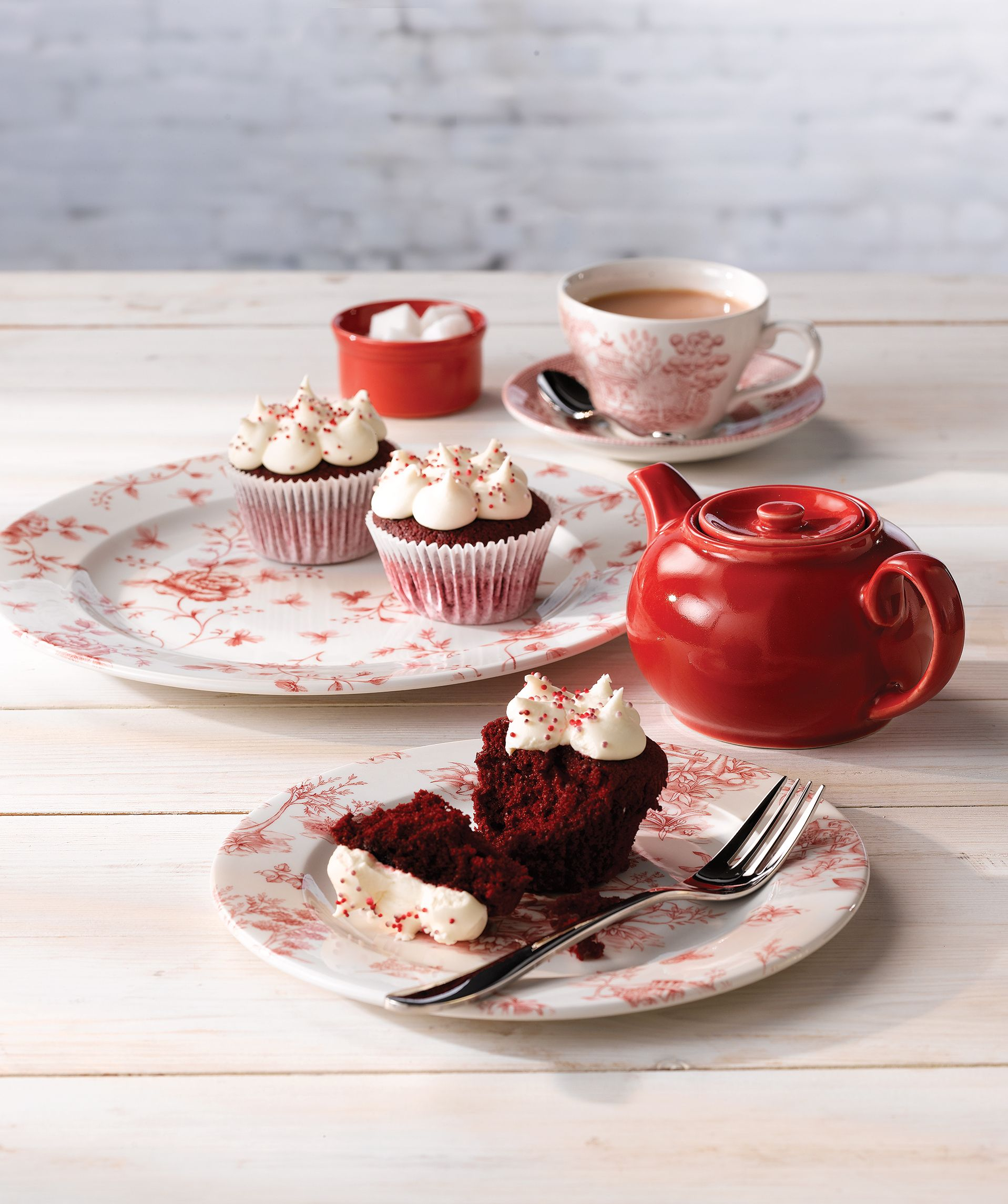The Vintage range offers beautiful floral tableware including plates cups \u0026 saucers. & The Vintage range offers beautiful floral tableware including plates ...