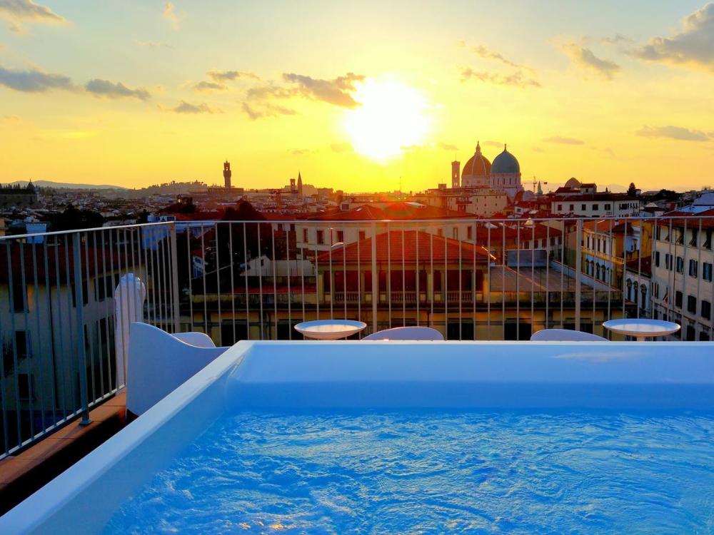 Booking.com: Condo Hotel Forte16 View & SPA , Florence ...