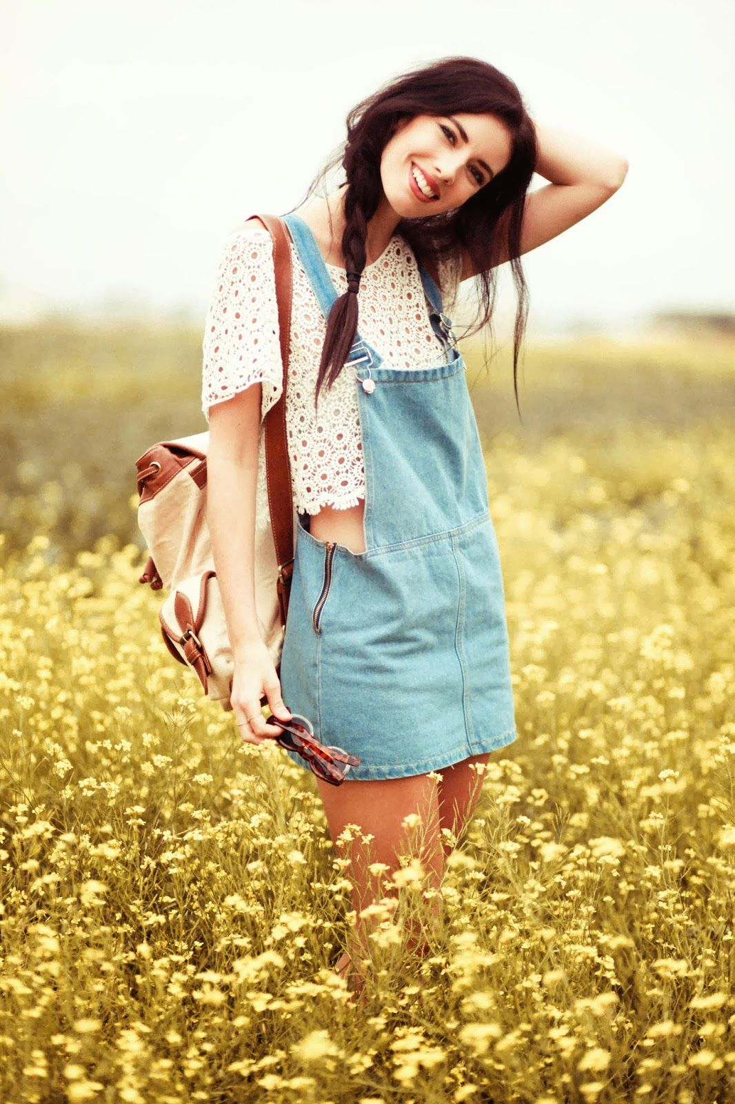 This is really cute I think I might try a look like this in the summer! :)