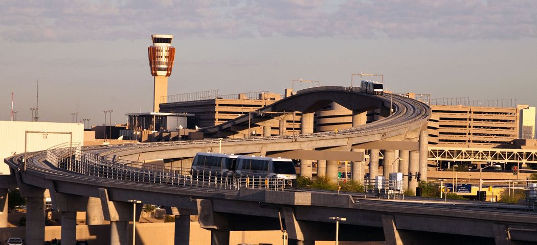 PHX Phoenix Skyharbor Airport in the daytime. (With images