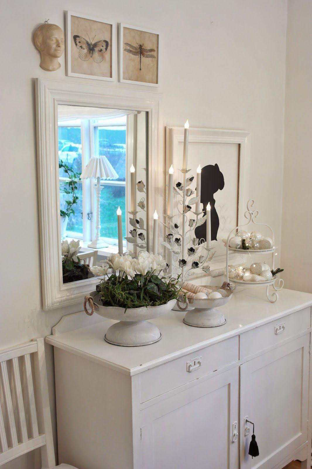 Vitt hus med vita knutar