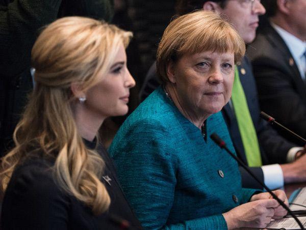 Ivanka Trump con Angela Merkel (Getty Images)