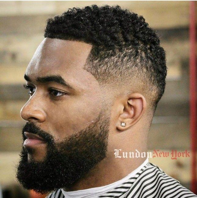 Coupe des cheveux pour homme noir