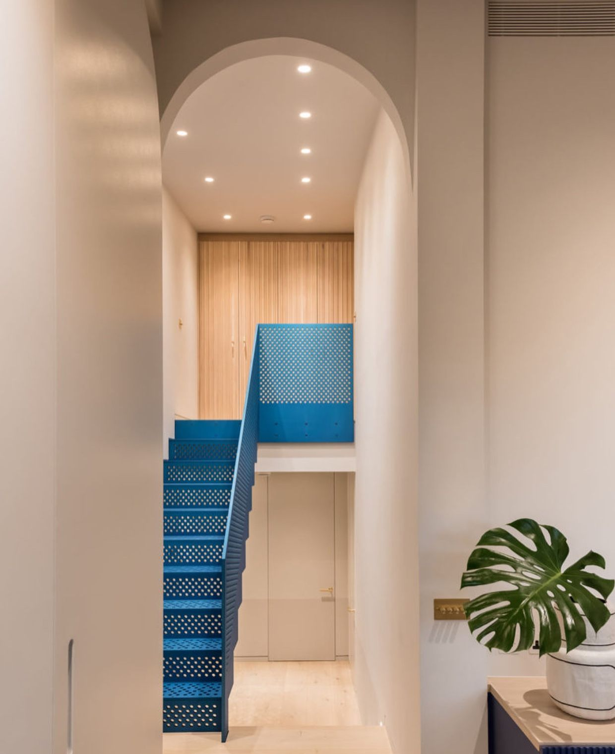 Home interior stairs pin by denise morales on misc  pinterest  apartment design