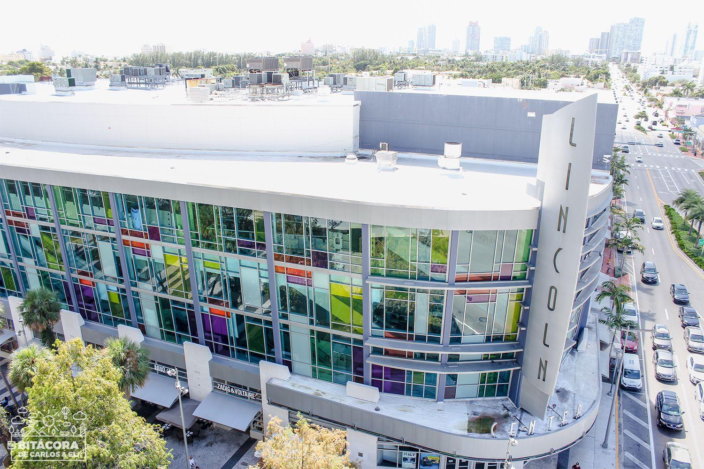 Lincoln Road Mall Es Un Sendero Peatonal Y Comercial Con Más De Una Milla De Extensión Ubicado Al Sur De Miami Beach S Fotos De Miami Que Hacer En Miami Miami