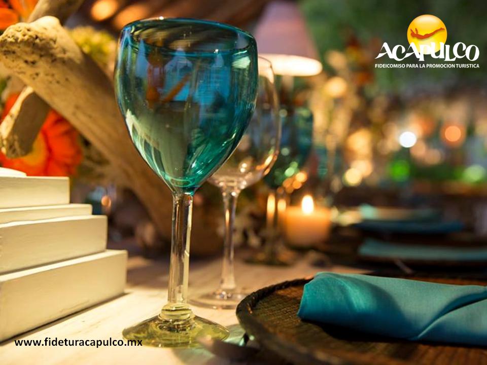 #bodaenacapulco Excelencia en servicios para tu boda en Acapulco con Banquetes Susanna Palazuelos. BODA EN ACAPULCO. Con reconocimientos a nivel nacional e internacional por su excelente calidad en servicios, cocina y locaciones, Banquetes Susanna Palazuelos es una empresa que te ayudará a crear una boda magnifica en el Puerto de Acapulco. Te invitamos a conocer más detalles, visitando la página oficial de Fidetur Acapulco.