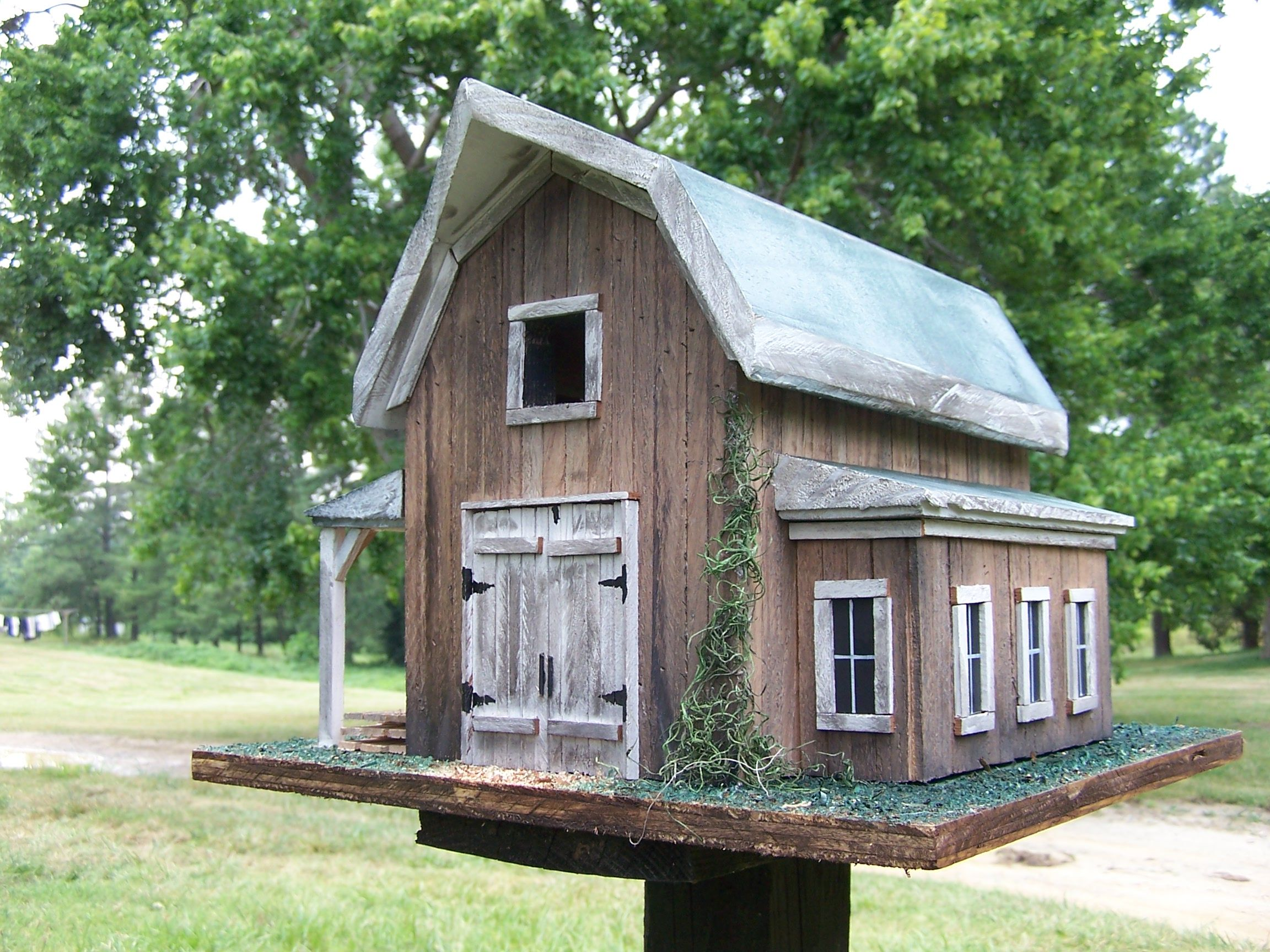 Free barn style bird house plans house plans for Bird house styles