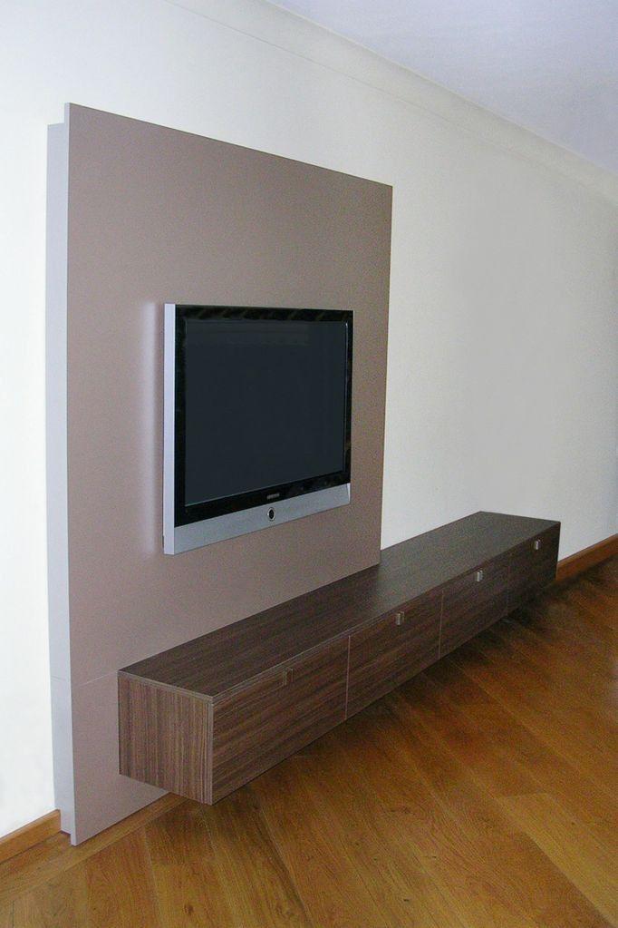 Betere Met tv achterwand die als het ware door het zwevende dressoir NL-44