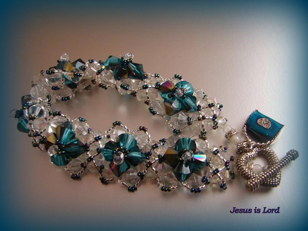 """Mary"" - bead woven bracelet by TrinityDJ"