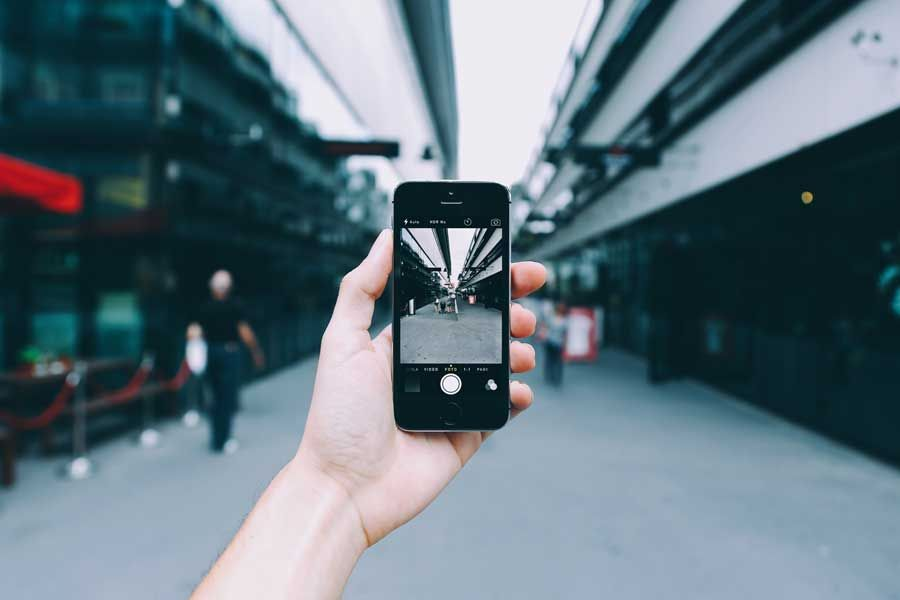 Want to take better pictures on your phone? There's an app