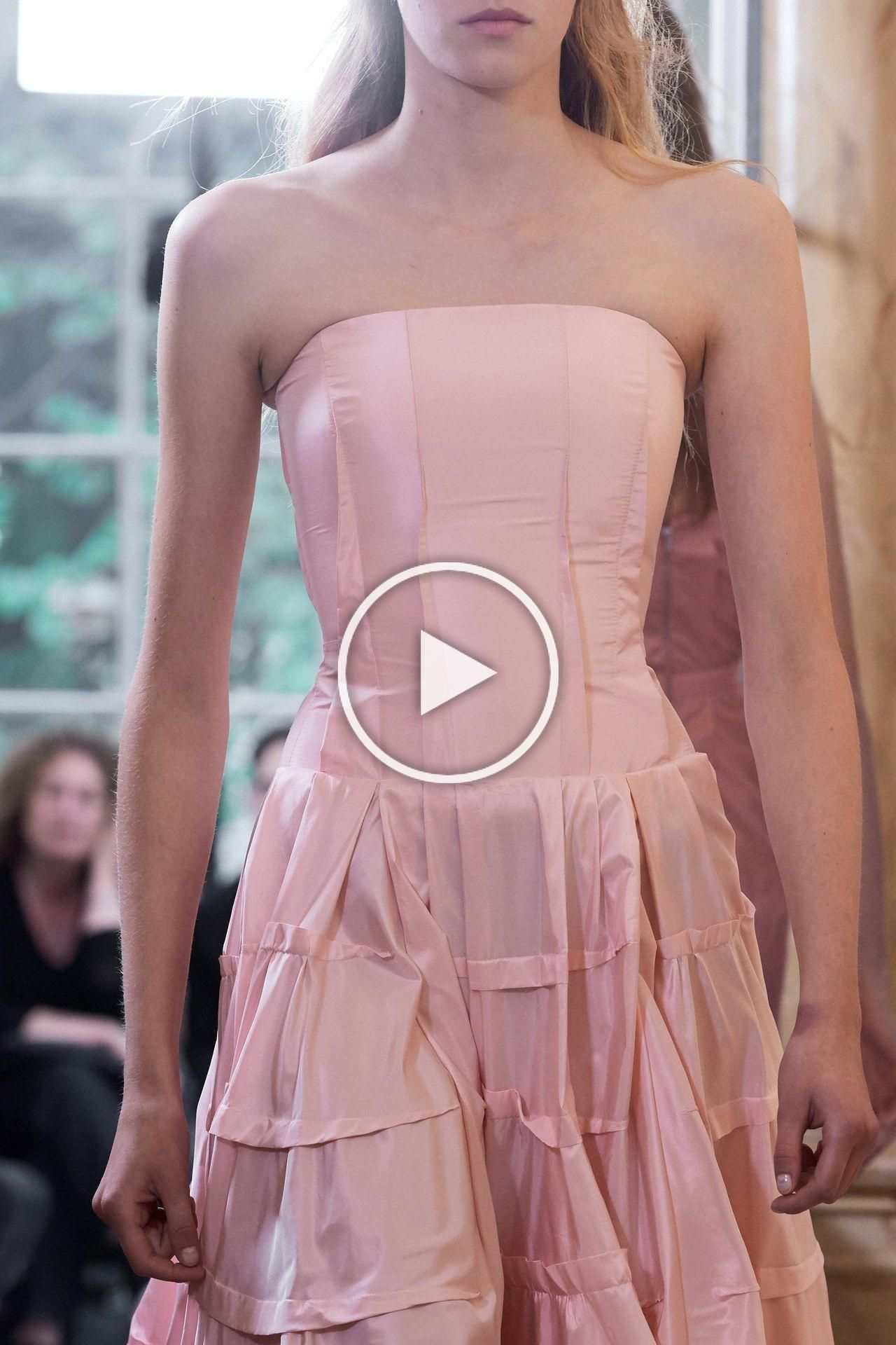 Olivier Theyskens RTW Spring 20 - #2020 #catwalk #couture #fashion #high #olivier #pink #rtw #runway #style #theyskens