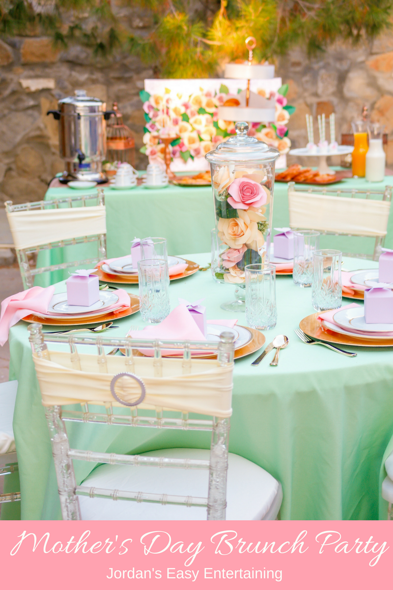 Mother\'s Day Brunch Party Inspiration | Brunch party, Table settings ...
