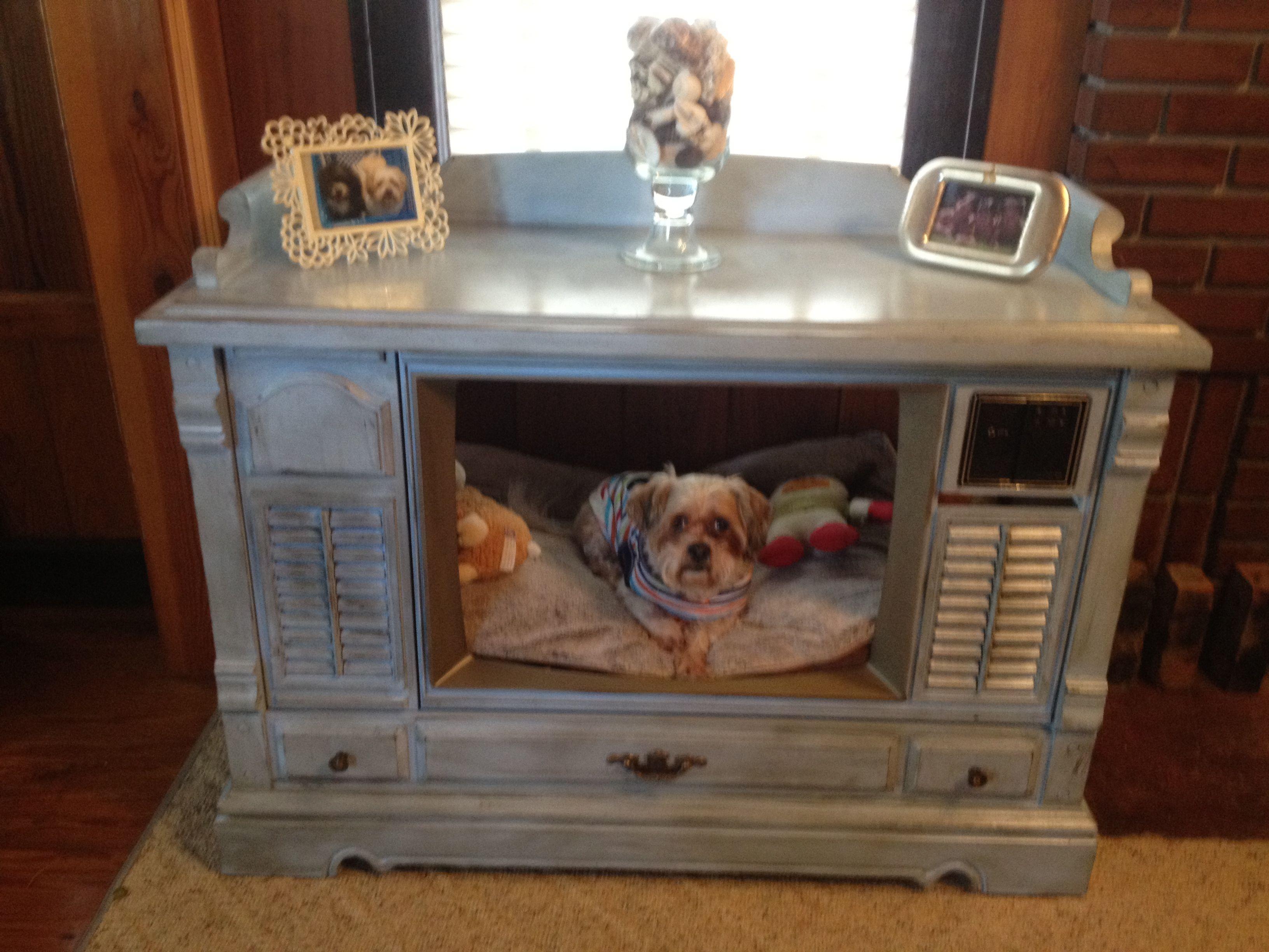 Old TV dog bed Upcycled pet bed, Pet furniture, Diy dog bed