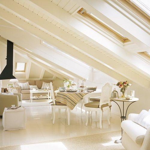 buhardilla con techos de madera y acabados en blanco madera buhardillas decoracion - Decoracion Buhardillas