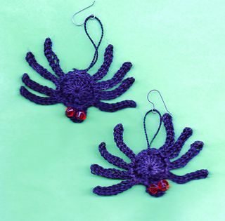 Web_scoodie664_small2...Spider earrings.. Free pattern!!