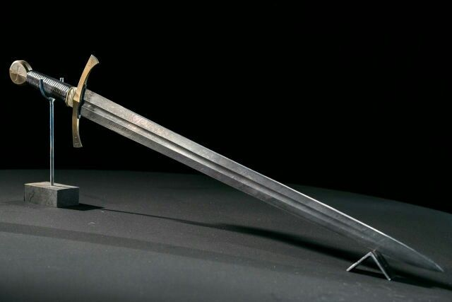 Damascus crusader sword from Forged In Fire  | Blades