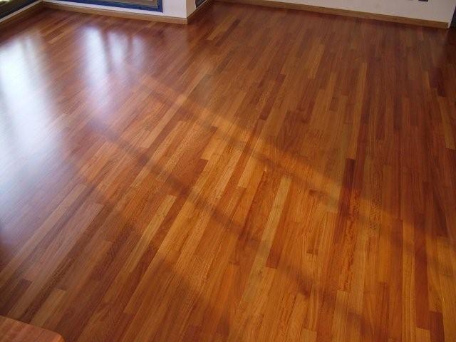 Limpieza piso de madera con productos caseros http www - Como limpiar la madera ...