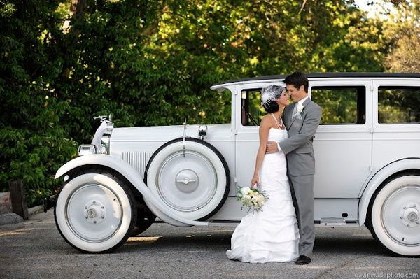 Great Gatsby inspired wedding... I would LOVE to get away in this car after the wedding!!!