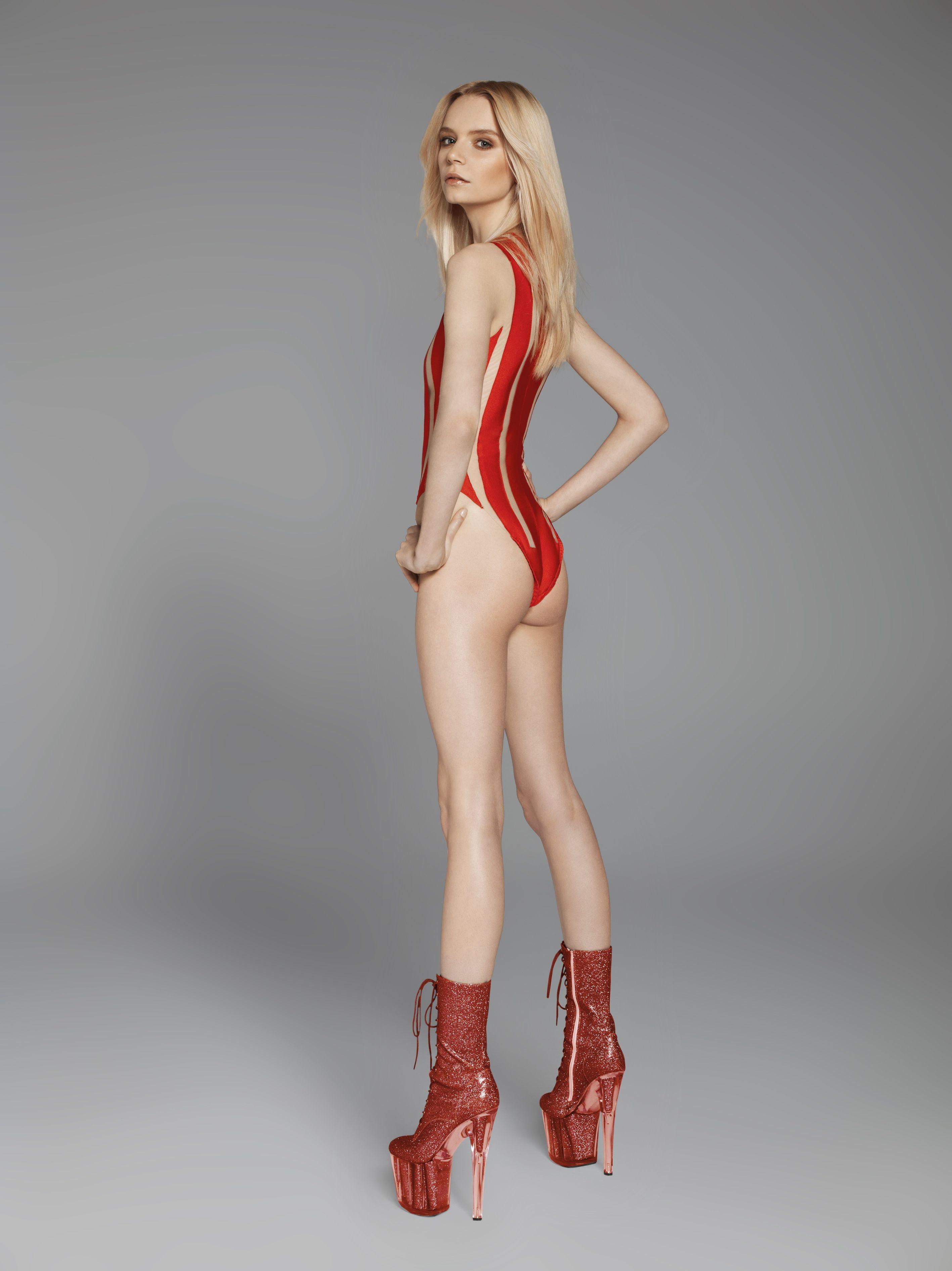 naked-girls-thin-galleries-blade