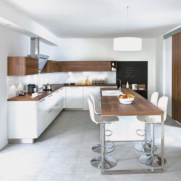 la combinacin de laca blanca y madera es la sea de identidad de esta espaciosa cocina - Diseo Cocinas