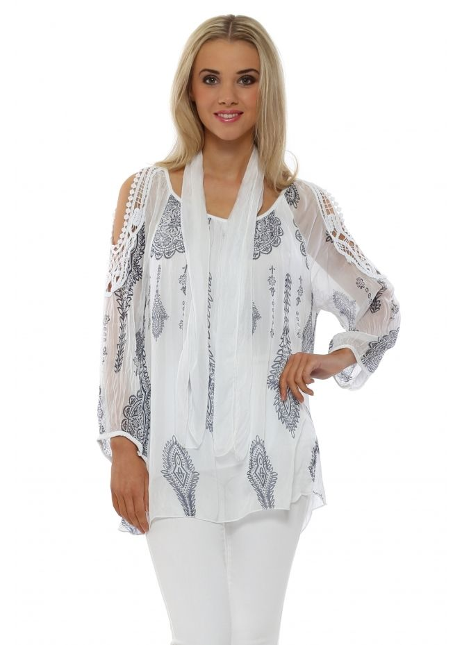 d646d1cc052bb1 MADE IN ITALY White Silk Paisley Print Cold Shoulder Top