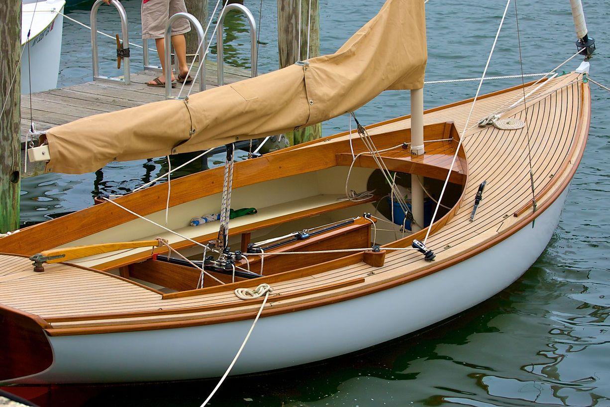 афремова наполнены фото старых деревянных яхт который