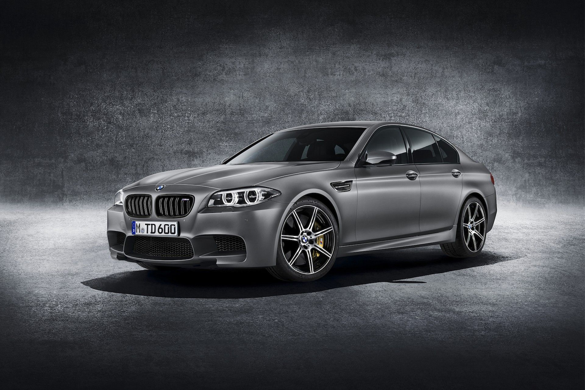 Bmw 540i Carbon Black M Performance Package 6 Cylinders Inline