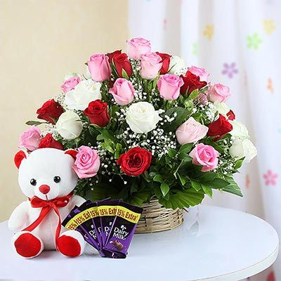 Online Flowers And Cake Midnight Delivery In Hyderabad With Images Cake Home Delivery