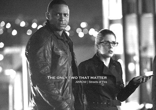 Arrow - Diggle & Felicity #2.22 #Season2