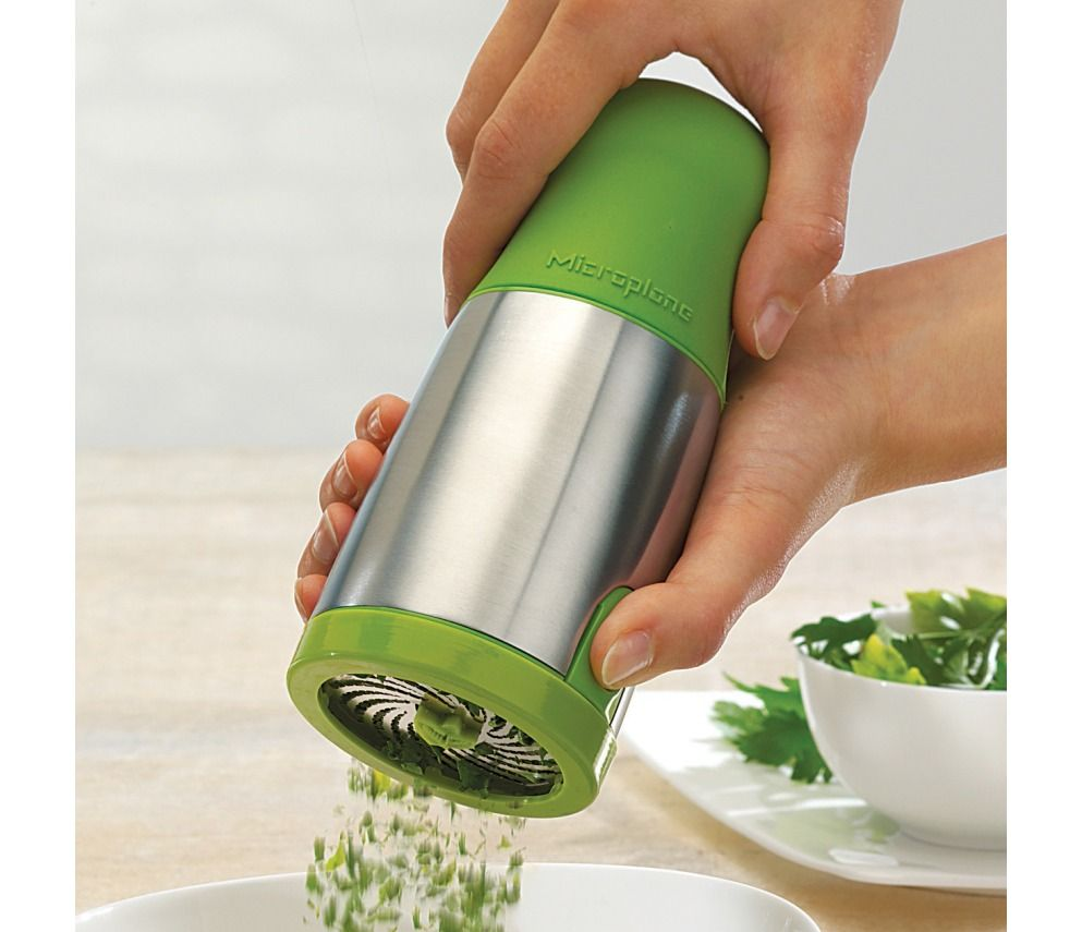 Shop microplane herb mill at chefs products i love for Implementos para cocina
