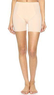 Sensual nude women in boy shorts pics