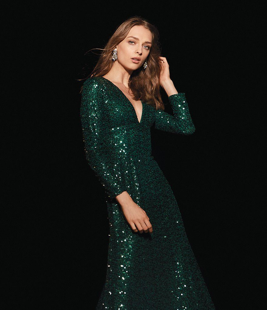 b208d0e20610 Cachet Sequin Plunge Gown | Dressed Up in 2019 | Fashion, Gowns ...