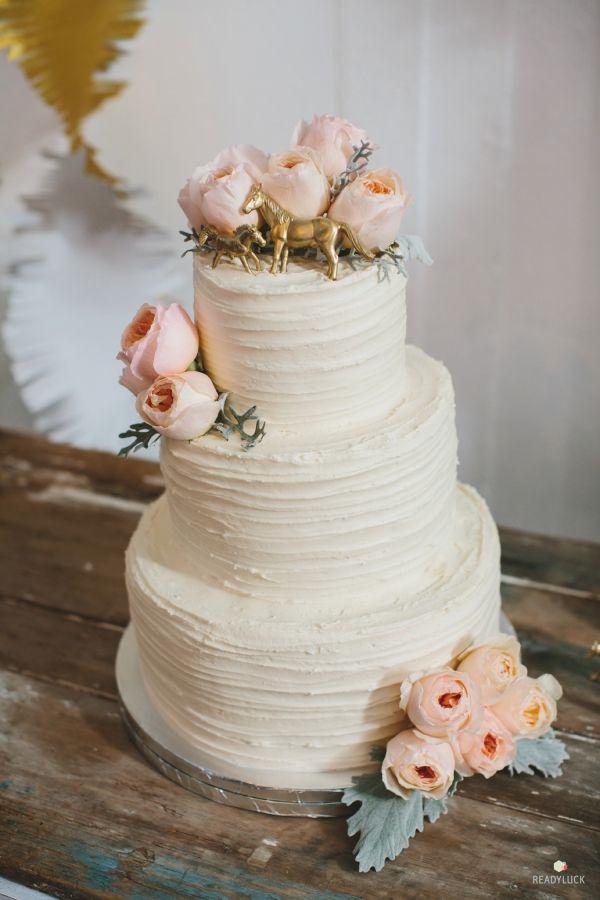 Rustic + Vintage-Inspired Pennsylvania Farm Wedding