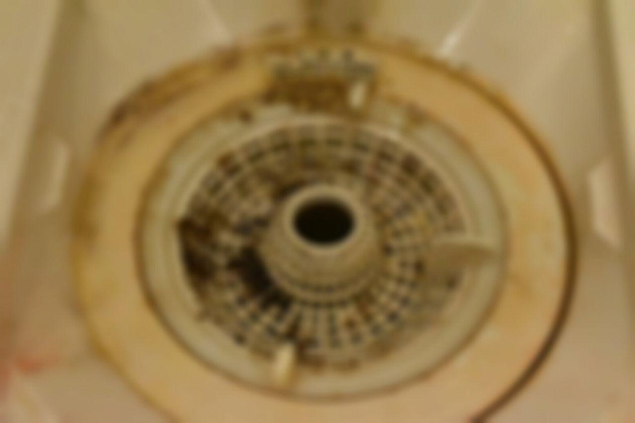お風呂の床の茶色の汚れ 黒ずみ 床掃除 風呂 床 掃除 掃除