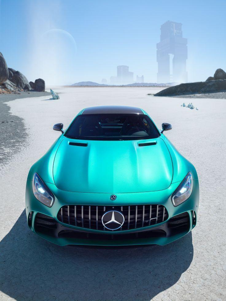 Mit dem Mercedes-AMG GT R Neuland betreten.