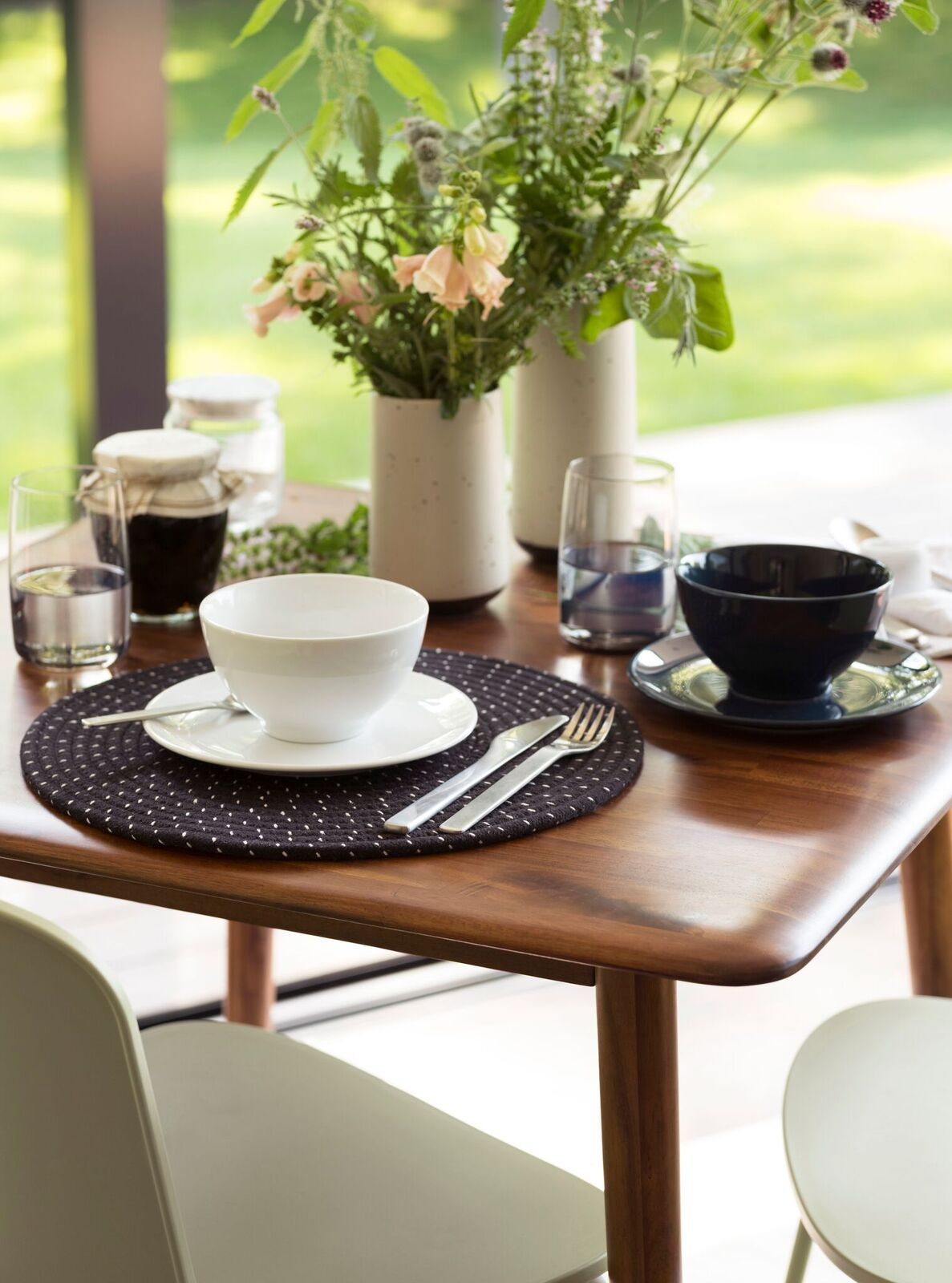 Kacia Dinette Table Eq3 Lookbook Dinette Tables Modern Dining