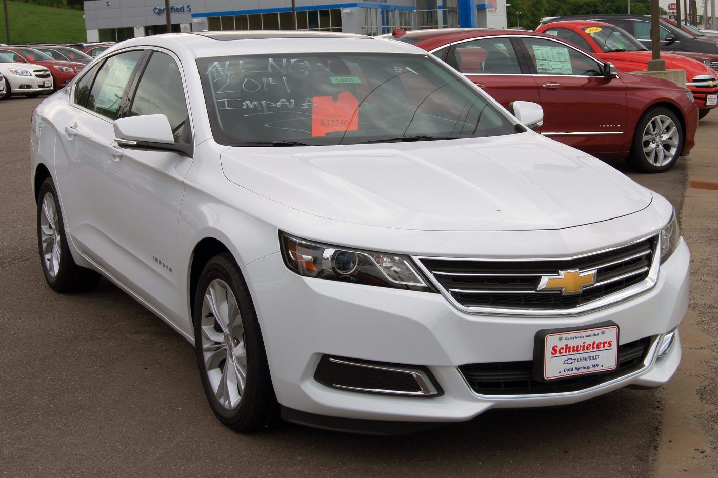 The New Impala Is The Car With A More Comfortable Riding And Seat The Exterior Style Is Extremely Emotional An Chevy Impala Chevrolet Impala 2014 Chevy Impala