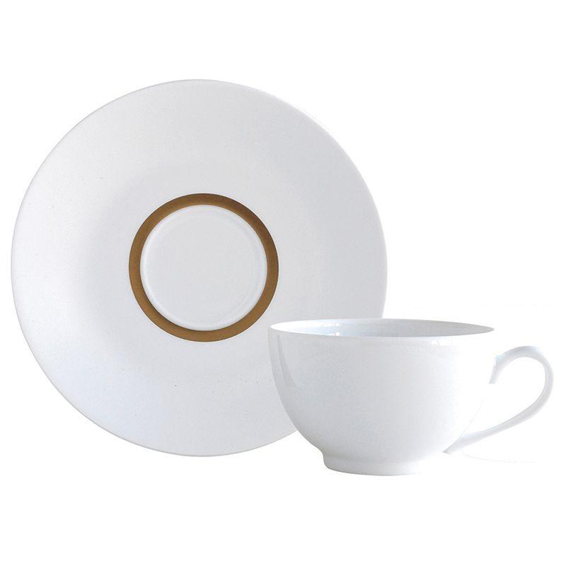 Découvrez lunivers et le savoir faire de bernardaud manufacture fondée à limoges en services de table en porcelaine blanche ou peinte bijoux objets déco
